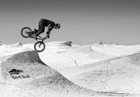 Freestyle BMX στα 13.000 πόδια