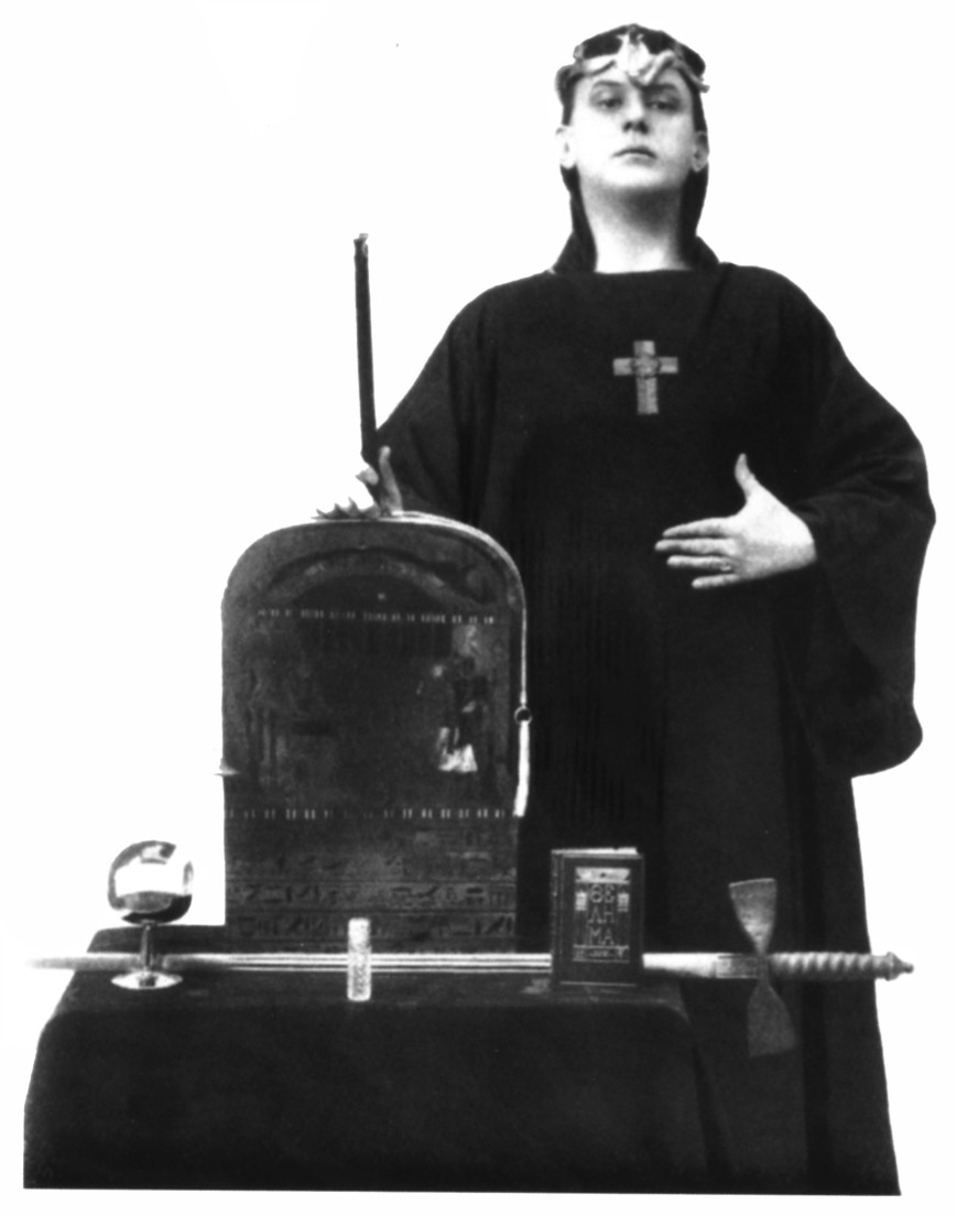 Aleister_Crowley,_Magus