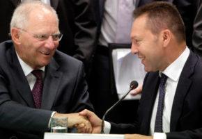 """Πόσες φορές έχει ειπωθεί η φράση """"Του Χρόνου Έρχεται Ανάπτυξη στην Ελλάδα""""; Κάτσαμε και τις μετρήσαμε"""