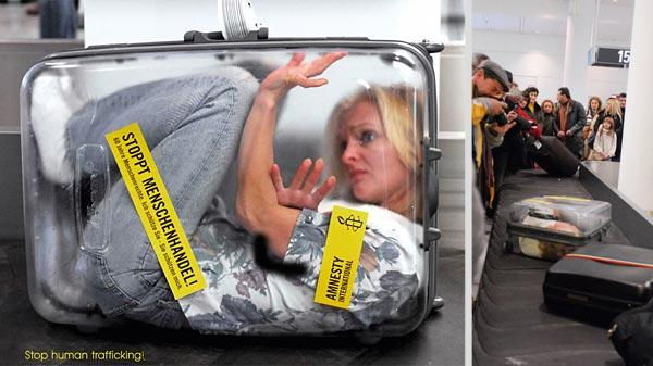 ambient-ads-woman-in-a-suitcase