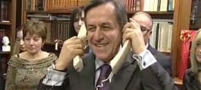 Αυτό το βίντεο του Νίκου Νικολόπουλου είναι όλη η πολιτική ιστορία της χώρας συμπυκνωμένη (VIDEO)