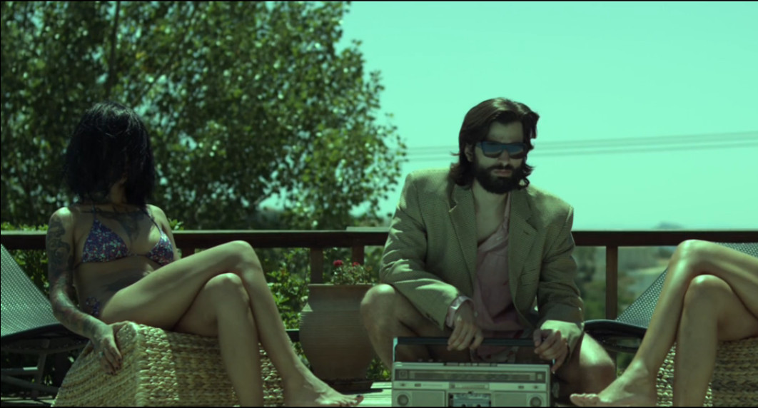 Ο Νάσος Γκατζούλης σκηνοθετεί το πιο δροσερό βίντεο κλιπ του καλοκαιριού