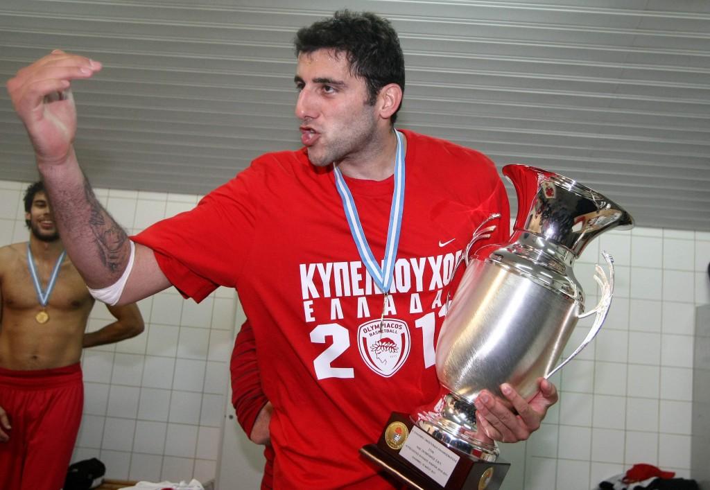 ÌÐÏÕÑÏÕÓÇÓ ÐÁÍÁÈÇÍÁÉÊÏÓ - ÏËÕÌÐÉÁÊÏÓ (ÔÅËÉÊÏÓ ÊÕÐÅËËÏÕ 2010-2011) BOUROUSIS PANATHINAIKOS - OLYMPIAKOS (CUP FINAL 2010-2011)
