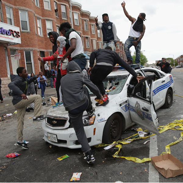 331505-baltimore-riots-2015-afp-crop