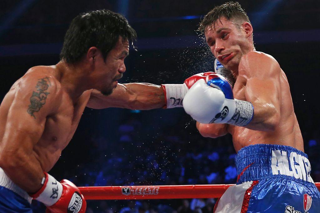 Manny-Pacquiao-punches-Chris-Algieri