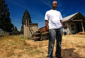 Σε μια πόλη του Καναδά αποφάσισαν να δώσουν δωρεάν στέγη στους άστεγους