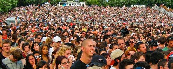 crowd_big