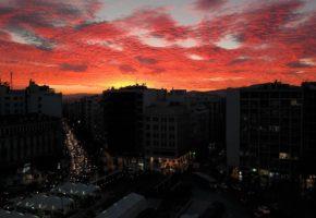 Η Αθήνα γίνεται Μόρντορ και το ίνσταγκραμ παθαίνει κοκομπλόκο (PHOTOS)