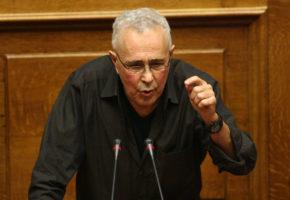 H νέα ομιλία του Ζουράρι στην Βουλή είναι η απόδειξη πως μας ψεκάζουν (VIDEO)