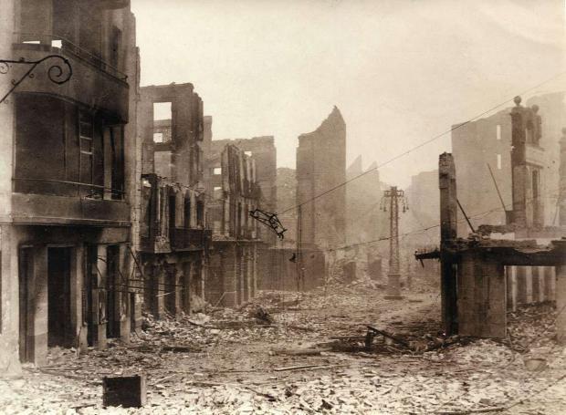 Άποψη της Βασκικής κωμόπολης μετά το βομβαρδισμό