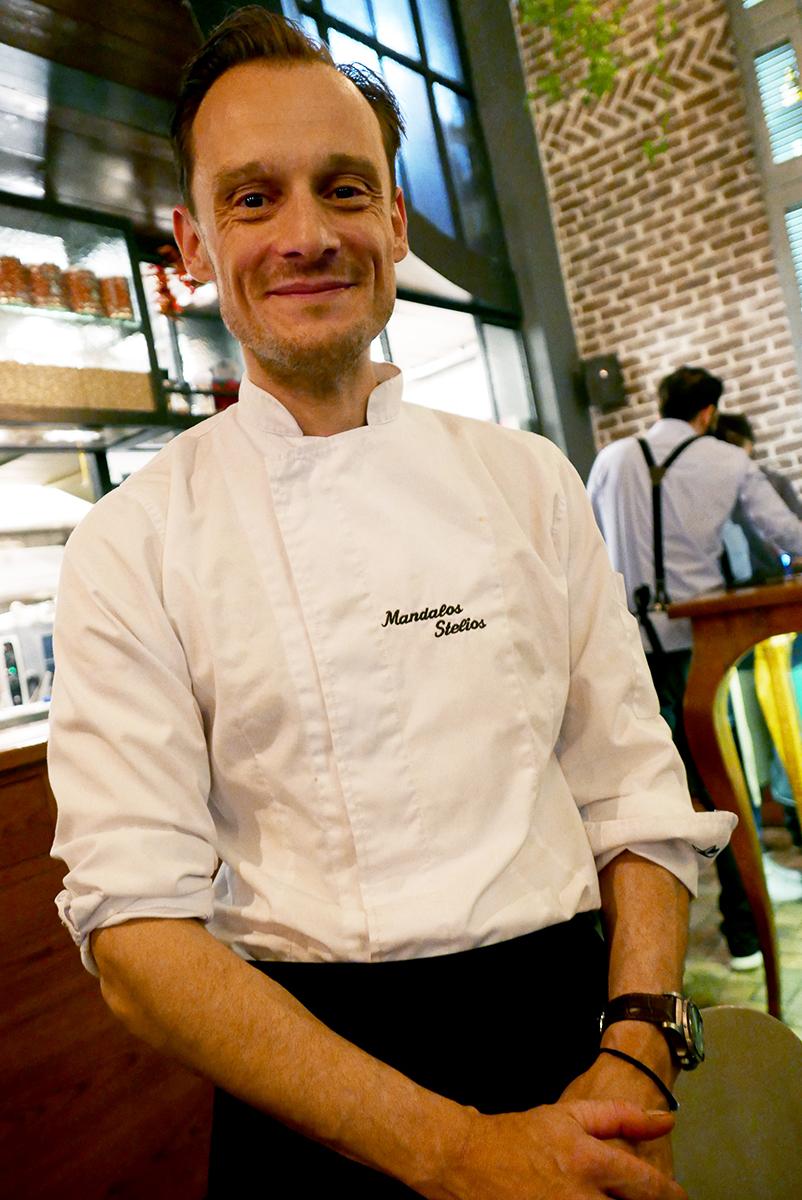 Ο ιθύνων νους/chef, Στέλιος Μάνδαλος