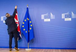 Ποιοί σελέμπριτιζ υποστηρίζουν το Brexit και ποιοι το Bremain για το αυριανό δημοψήφισμα