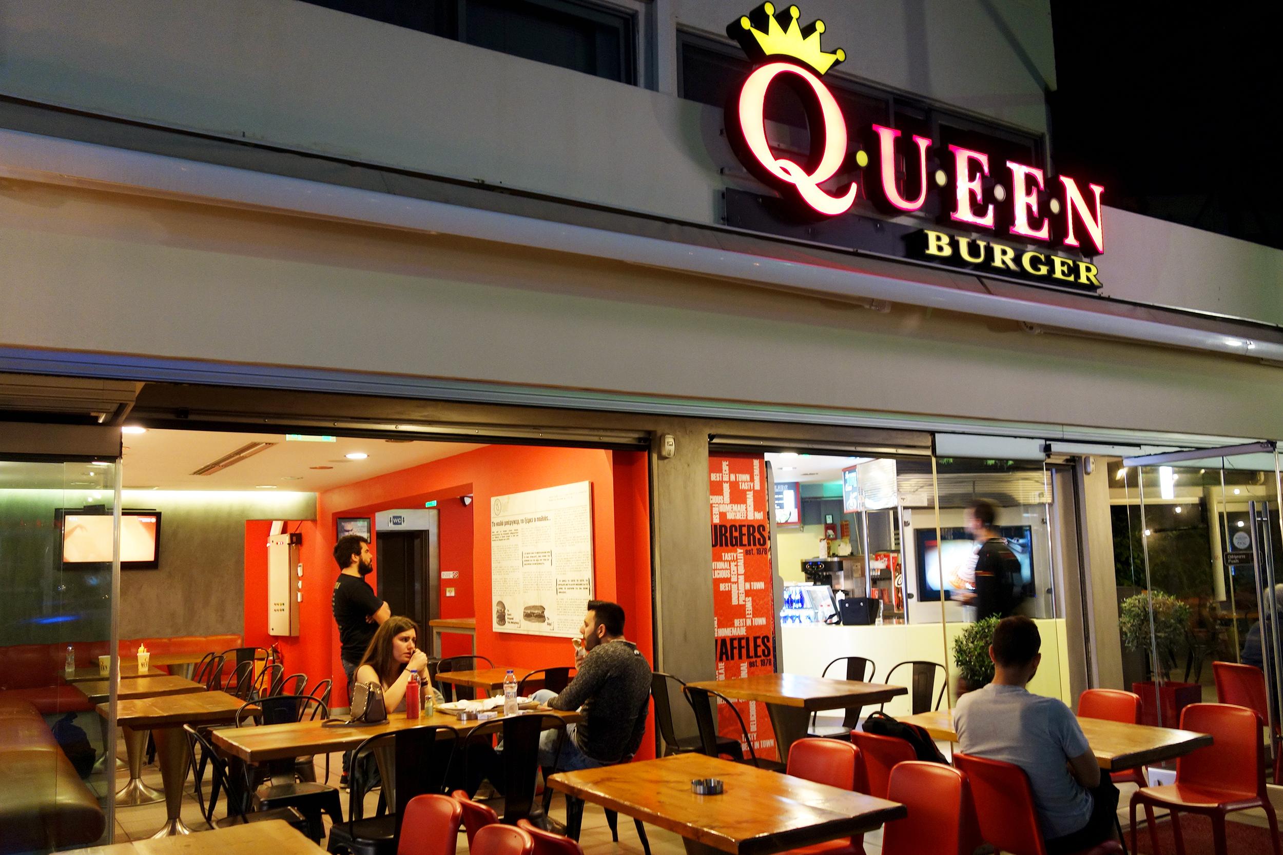 Aris Athanatos - Queen's Burger - 002