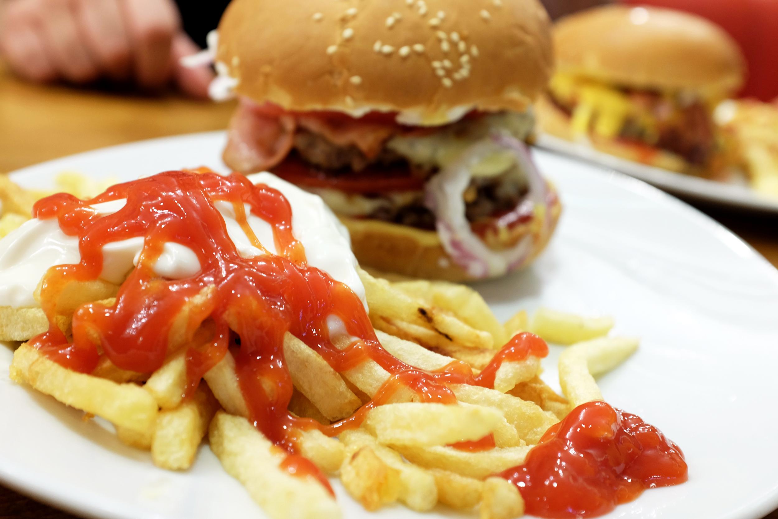 Aris Athanatos - Queen's Burger - 012