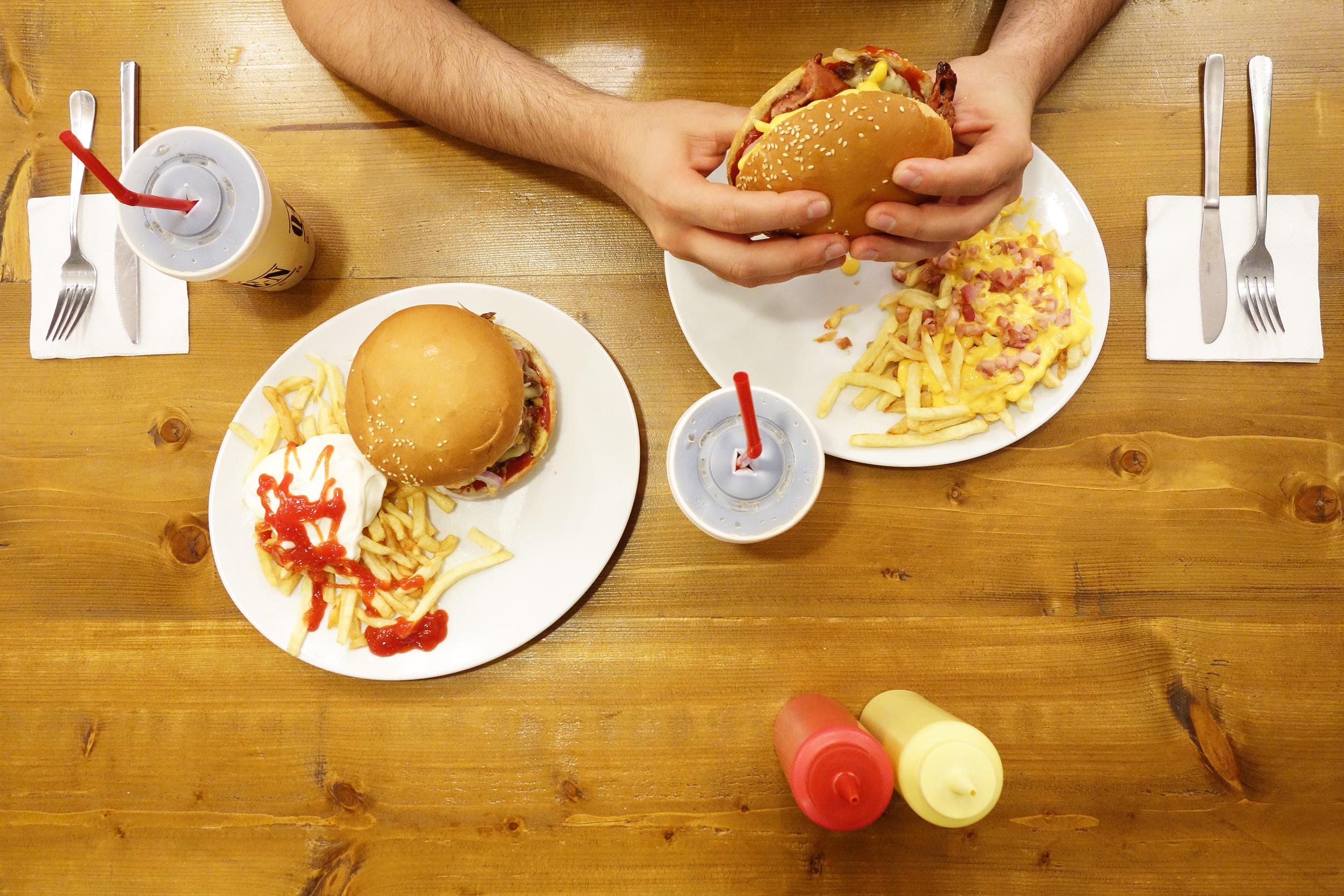Aris Athanatos - Queen's Burger - 013