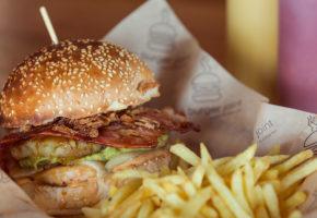 Burger Joint: Σταθερή αξία για αληθινά αμερικάνικο burger στην Αθήνα