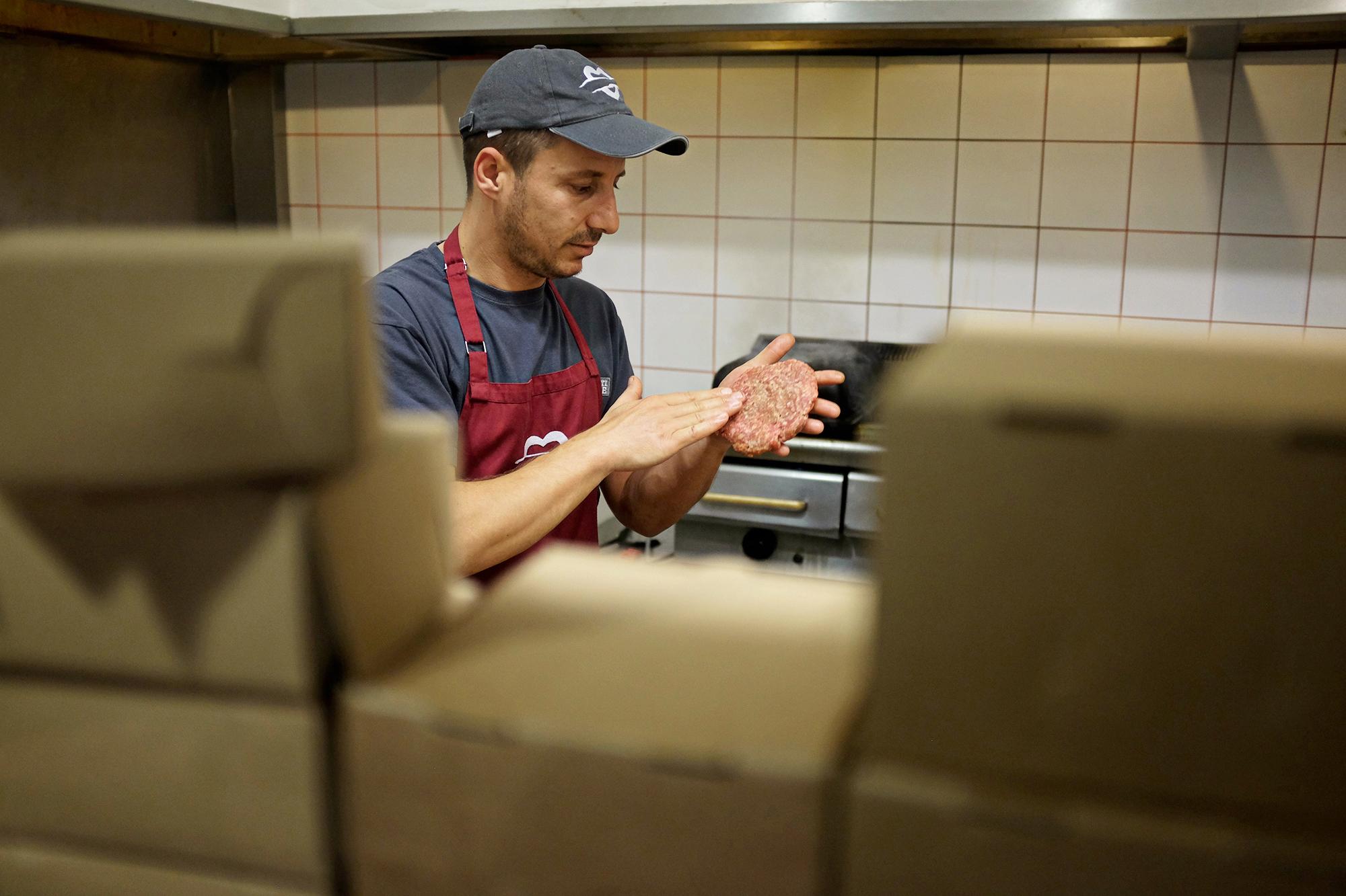 Aris Athanatos - Burger's College - 005