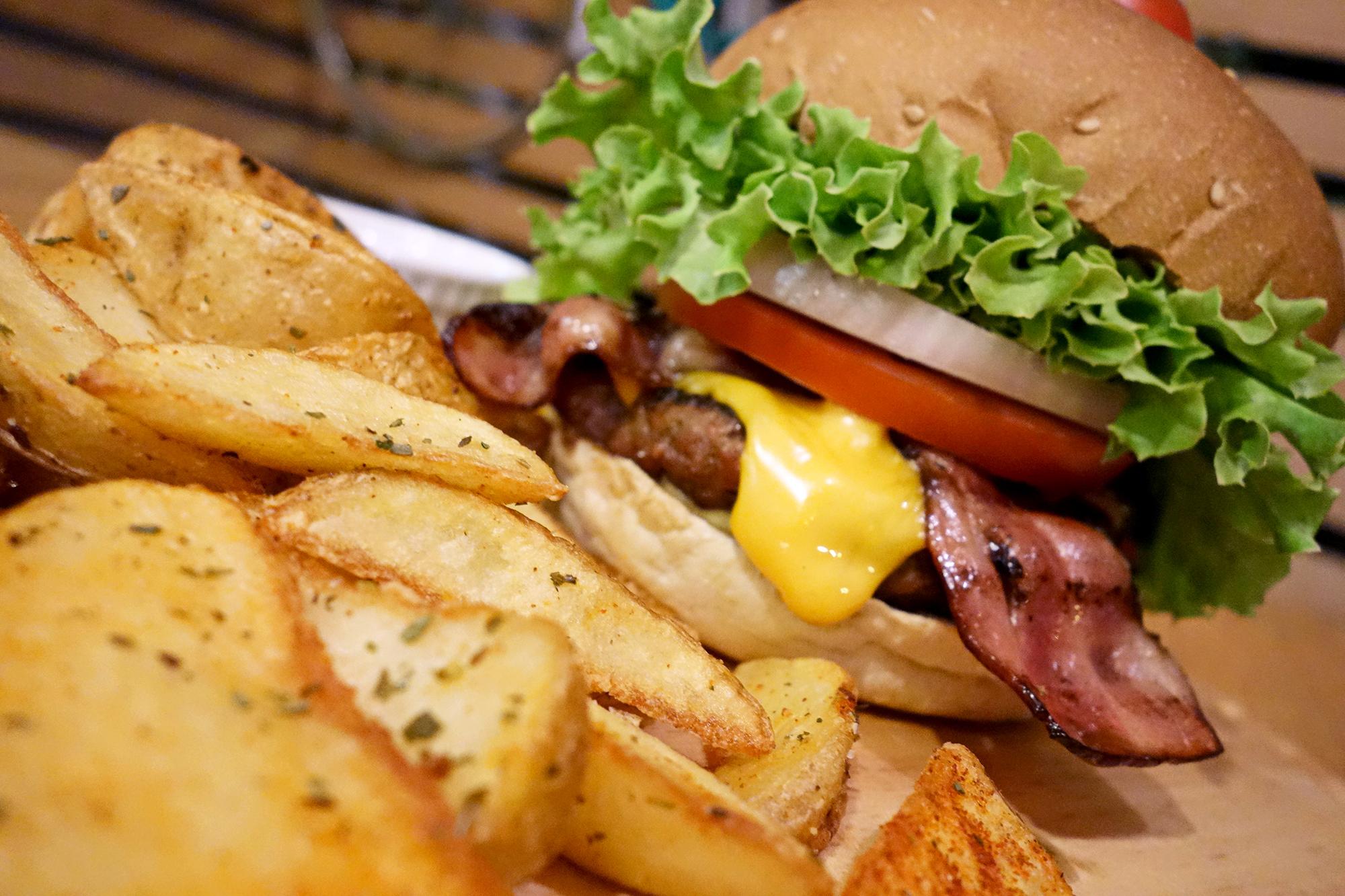 Aris Athanatos - Burger's College - 006