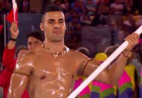 Ο σημαιοφόρος της Ολυμπιακής ομάδας της Tonga είναι το πιο εξωτικό κλαρίνο του Ρίο (PHOTO)