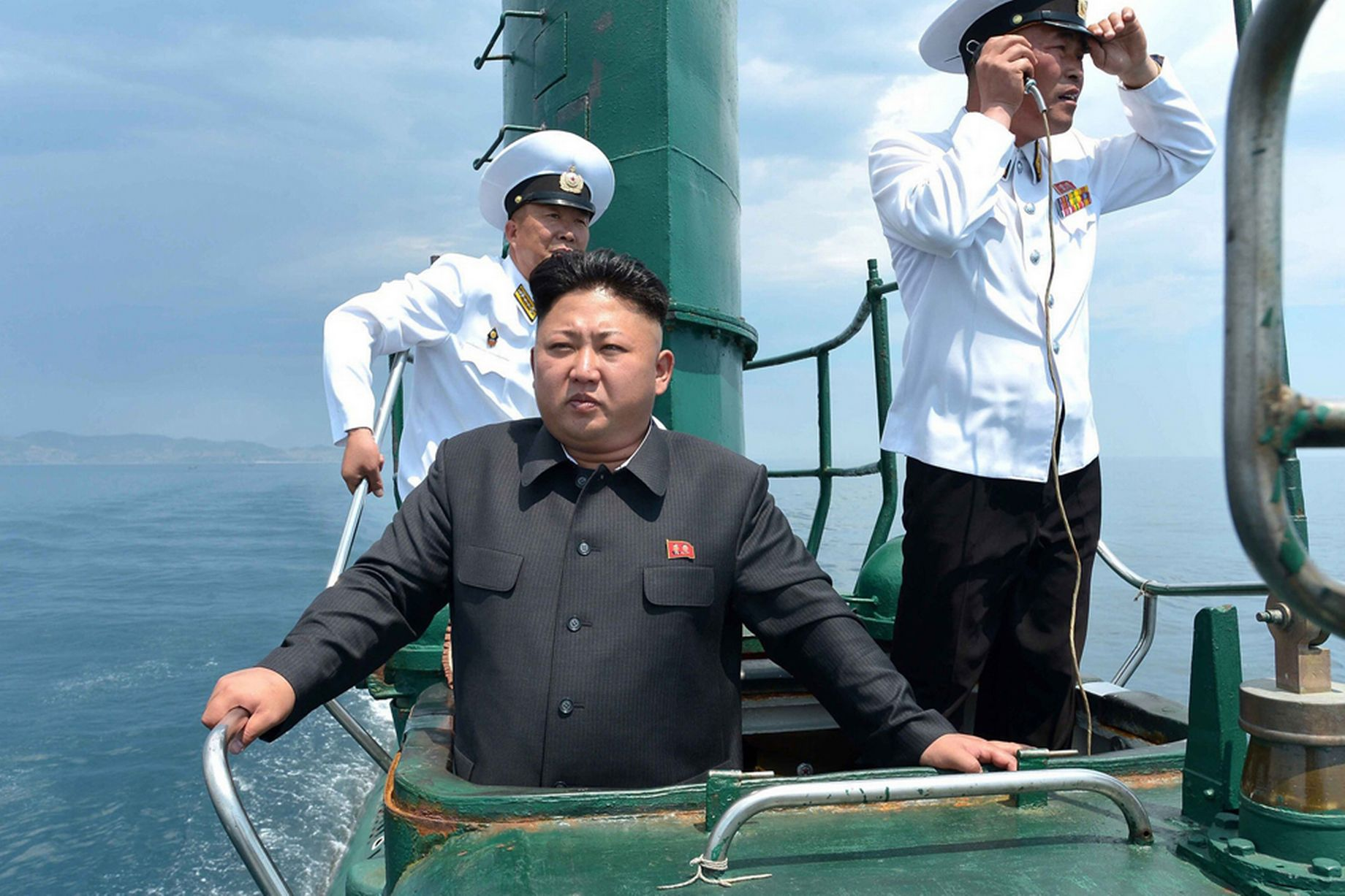 Kim-Jong-Un-inspecting-a-submarine-of-the-Korean-Peoples-Army