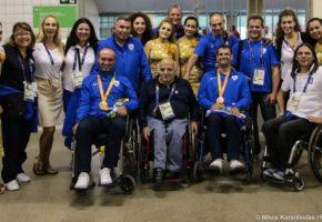Έλληνες αθλητές κάνουν ρόμπα τον Αρτέμη Σώρρα με χρυσό και χάλκινο μετάλλιο στους Παραολυμπιακούς