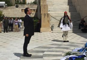 ΤΡΕΜΕΤΕ ΠΕΡΣΑΚΙΑ: Ο Άδωνις Γεωργιάδης δεν ξέχασε πώς σας τρέχαμε στη Σαλαμίνα (PHOTOS)