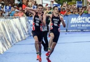 Όλα τα ρισπέκτ του κόσμου αξίζει ο αθλητής που παράτησε την κούρσα για να βοηθήσει τον αδελφό του να τερματίσει