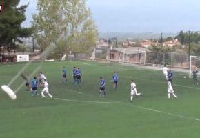 Εύβοια: Πατερίτσα οπαδού καταλήγει στον αγωνιστικό χώρο για να πανηγυριστεί γκολ στο '92 (VIDEO)