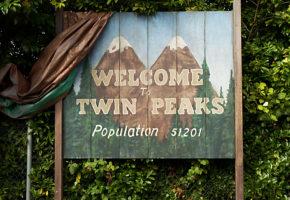 Ο Angelo Badalamenti παίζει το θέμα του Twin Peaks στο πιάνο για το νέο teaser της σειράς (VIDEO)