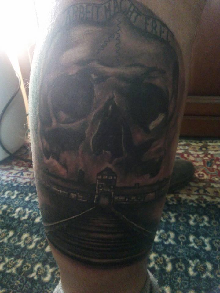 xrysaugitis-tatouaz-aousvits-aganaktismenoi-lesvos-body-image-1475582661