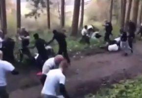 Το βίντεο με Γάλλους και Ολλανδούς χούλιγκαν να πλακώνονται μας διδάσκει πως ζούσαν οι πρόγονοί μας στις σπηλιές (VIDEO)