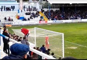 Οπαδός – σωτήρας σε παιχνίδι της Γ΄κατηγορίας Ισπανίας ξεβρακώνεται για να μη φάει η ομάδα του πέναλτι (VIDEO)