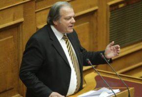 Βουλευτής των ΑΝΕΛ βασικά λέει ότι γκέι και τρανς πρέπει να απαγορεύονται να ασκούν μερικά επαγγέλματα (VIDEO)