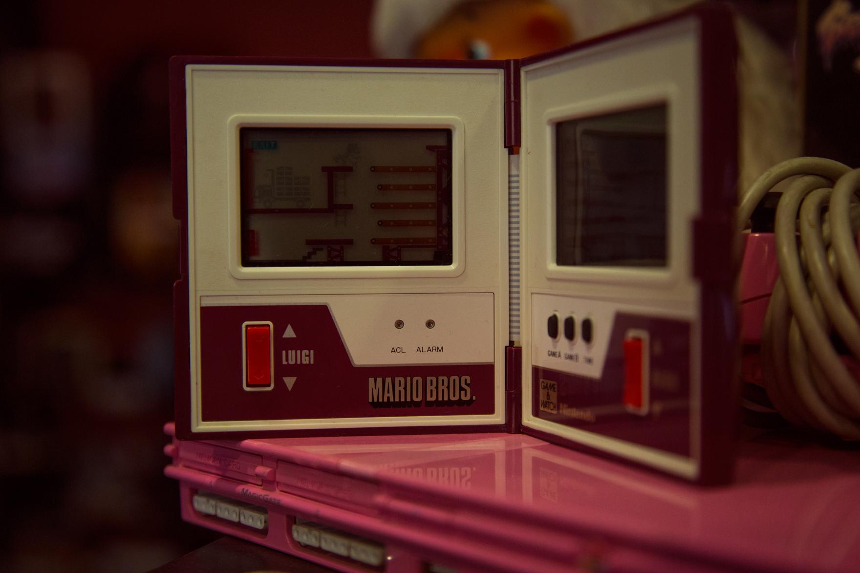 Νintendo Game & Watch 1983 - Super Mario Brothers (προσοχή μη σας πέσουν οι πίτσες)