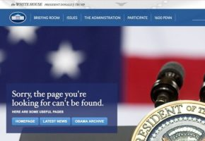 Ο Donald Τrump εξαφανίζει από τις πρώτες μέρες την ισπανική γλώσσα από το site του Λευκού Οίκου