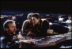 """20 χρόνια μετα τον """"Τιτανικό"""" ο Τζέημς Κάμερον μας λύνει την απορία: H Ρόουζ έπρεπε να αφήσει τον Τζακ να πνιγεί"""