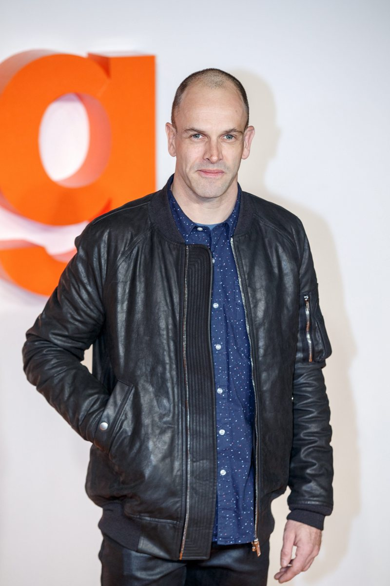 epa05742294 British actor Jonny Lee Miller attends for the 'T2 Trainspotting' World Premiere at Cineworld, Fountain Park, in Edinburgh, Scotland, Britain, 22 January 2016. The movie will be released in the UK on 27 January. EPA/ROBERT PERRY