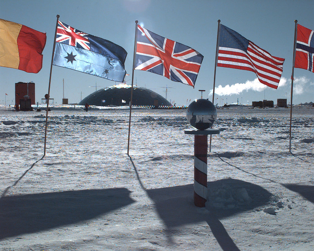 1024px-AmundsenScottSuedpolStation