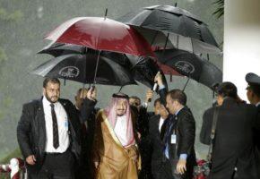 Like a boss: Με 460 τόνους αποσκευές ταξίδεψε στην Ινδονησία για 9ημερο ταξιδάκι ο Βασιλιάς της Σαουδικής  Αραβίας