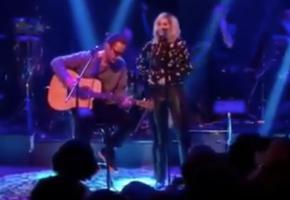 Ο Chris Cornell τραγουδάει πράγματι με την Άννα Βίσση και τερματίζουν μαζί τα Τρελά Παρεάκια (VIDEO)
