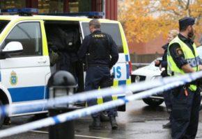 ΕΚΤΑΚΤΟ: Φορτηγό έπεσε πάνω σε πολίτες στην Στοκχόλμη