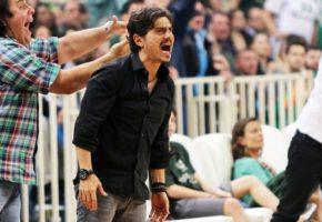 Με καψόνι αντάμοιψε ο Δ. Γιαννακόπουλος τους παίκτες του Παναθηναϊκού για το σκούπισμα από την Φενέρ